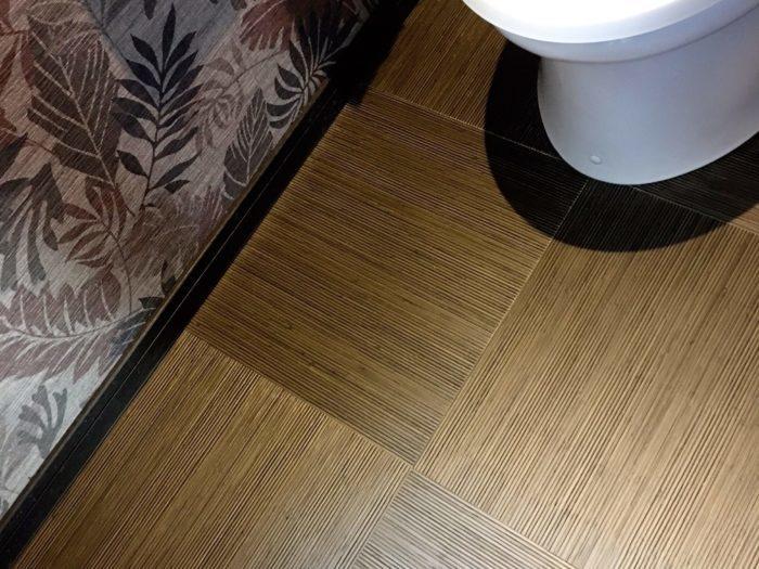 アジアンインテリアのトイレの床材