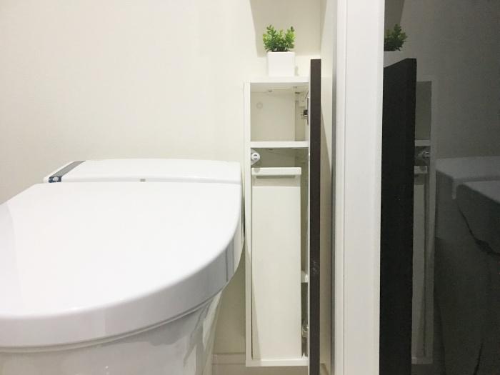 モダンインテリアのトイレ収納