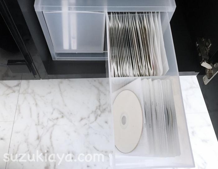 使いにくいファイル型DVD収納ケースをアレンジする!無印の収納ケースに1枚ずつ入れる