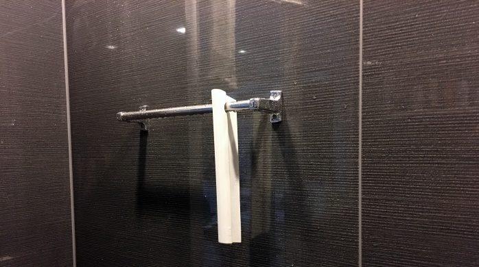 モノトーンでおしゃれなスキージーで簡単お風呂掃除
