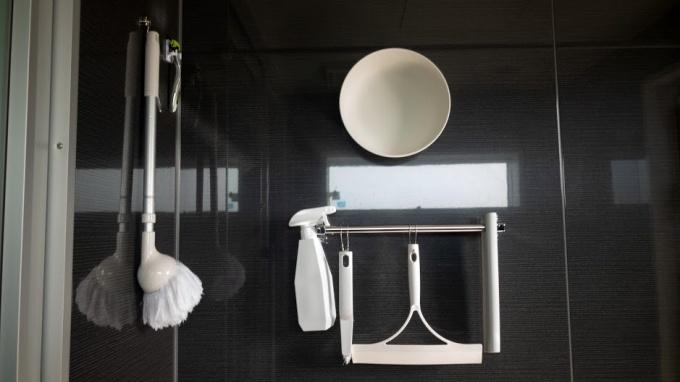 我が家のお風呂掃除道具と収納方法まとめ。おしゃれ・シンプルに吊り下げてます