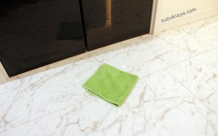 鏡面家具の掃除はマイクロファイバーふきんがおすすめ