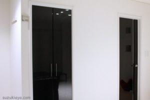鏡面家具をマイクロファイバーふきんを使って手垢や汚れを一掃!簡単掃除