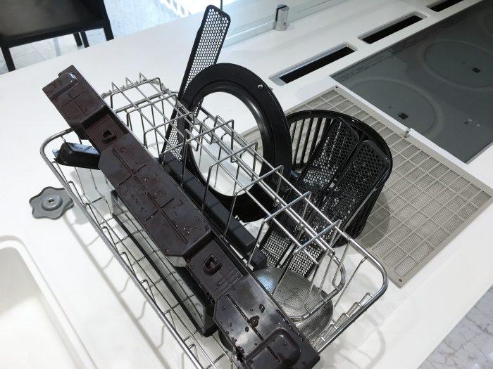 オキシクリーンで掃除した換気扇や排気口はピカピカ