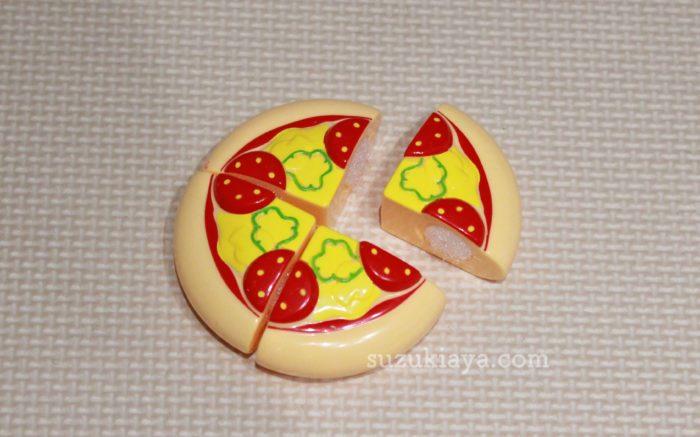 100円ショップセリアのままごとセットのピザ