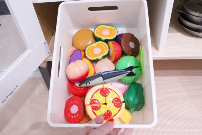 100均セリアのおままごと野菜セットをニトリの収納ケースに収納