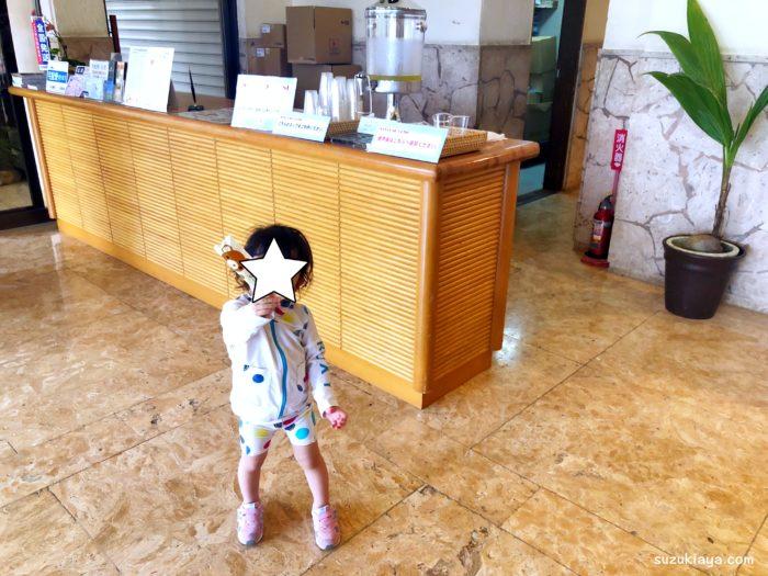 宮古島東急ホテル&リゾーツのロビーでは子供用歯ブラシを貰える