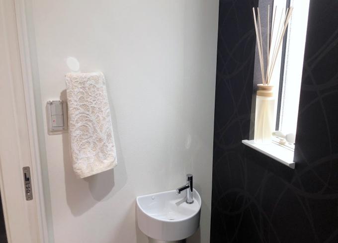 トイレに飾ったリードディフューザー