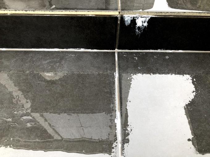 玄関タイルの白華現象はクエン酸で取れた