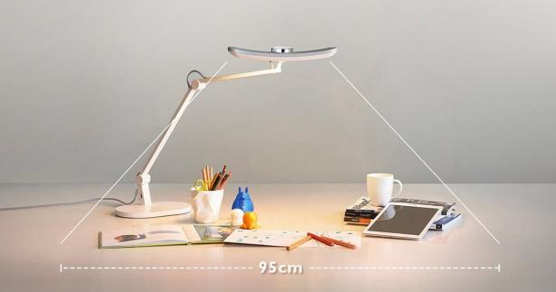BenQ Wit MindDuo LEDデスクライトは照らす範囲が広い