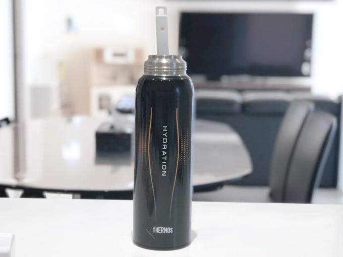 イオン(トップバリュ)のHOME COORDYシリーズの「伸縮式ボトル洗い」は1.5Lの長い水筒でも洗いやすい