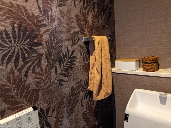 トイレにあるカワジュンのタオル掛け(ホルダー)