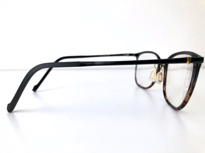 Zoff(ゾフ)のブルーライトカット眼鏡のフレーム
