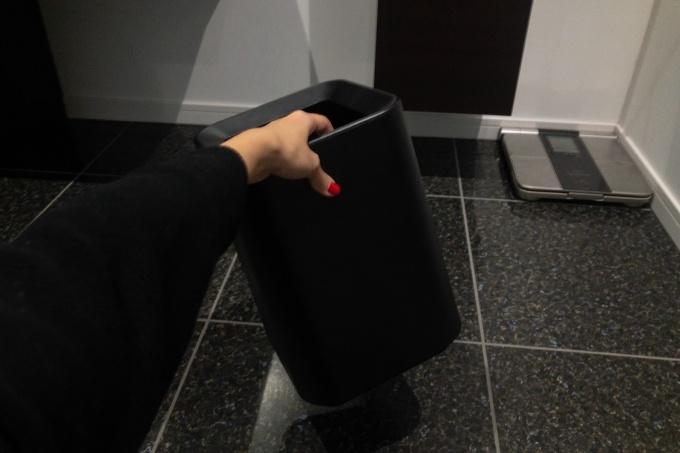 ニトリのゴミ箱は持ち手があるので移動も簡単