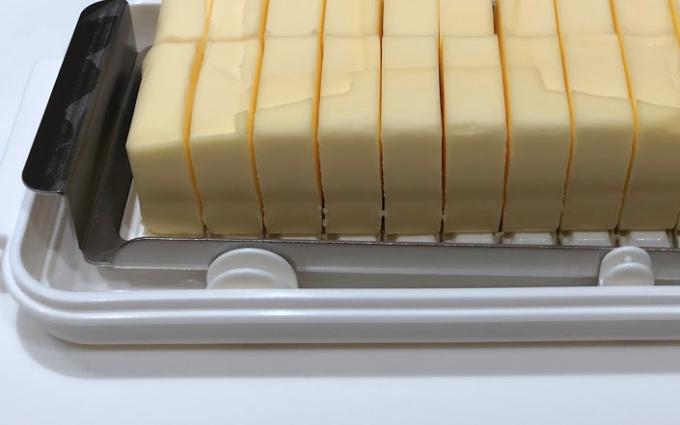 スケーターのカットできるバターケースの切り口と溝