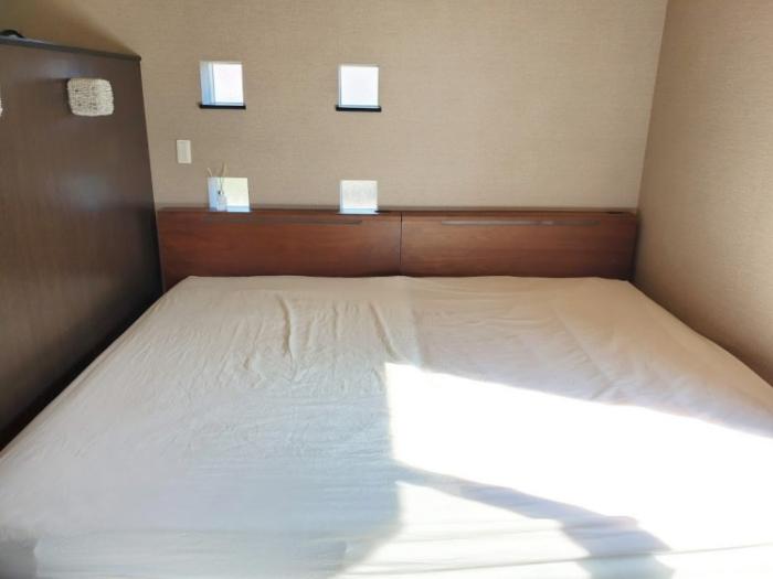 セミダブル2台並べたベッドに240cmボックスシーツをセット