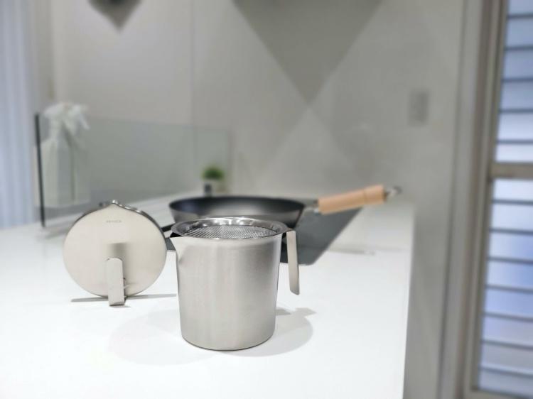 【レビュー】ケユカのオイルポットはおしゃれでキッチンインテリアを格上げ!ステンレスだからお手入れ...