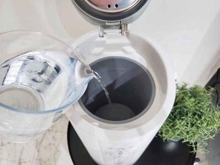 象印の加湿器は蓋を開けてそのまま給水できる