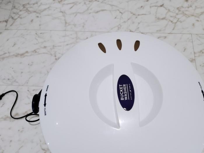 シービージャパン バケツ型小型洗濯機の排水穴