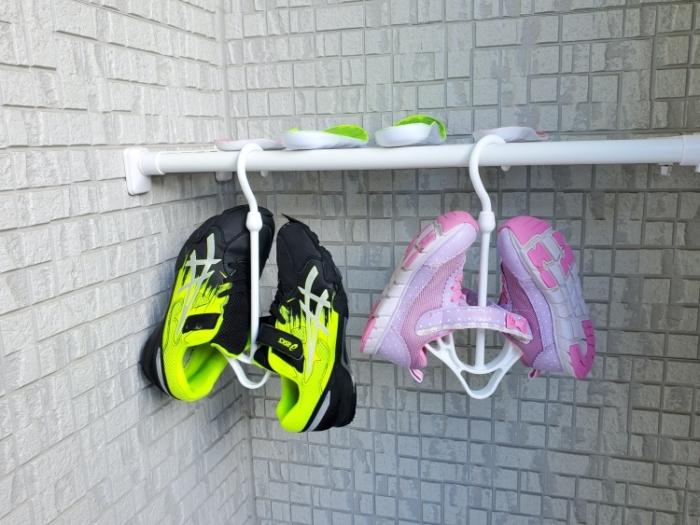 シービージャパン バケツ型小型洗濯機で洗った子どもの運動靴