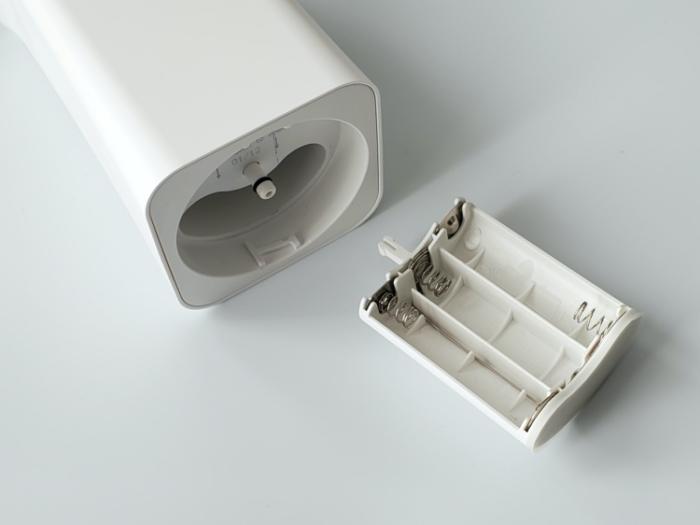 CLESSA 泡で出てくるオート(自動)ハンドソープディスペンサーの電池ケース