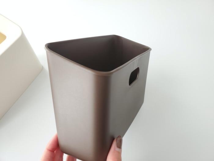 イデアコ(ideaco)のミニ卓上ゴミ箱「チューブラーコットンラッシュ」の持ち手(取手)