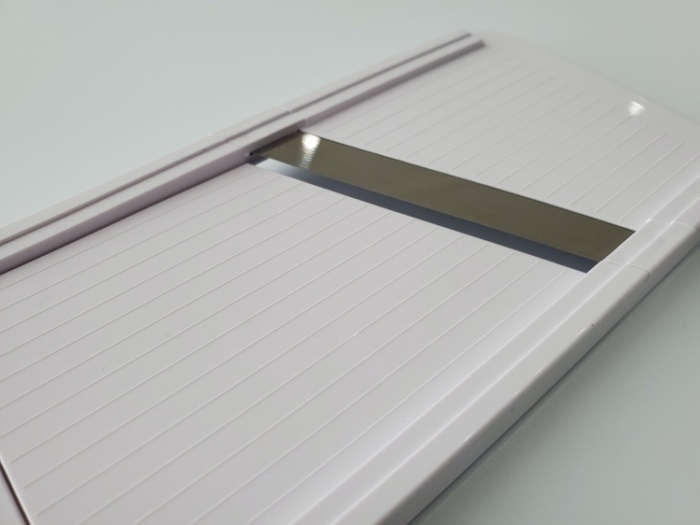 貝印のスライサーSELECT100(DH5700)の「厚」のときの刃