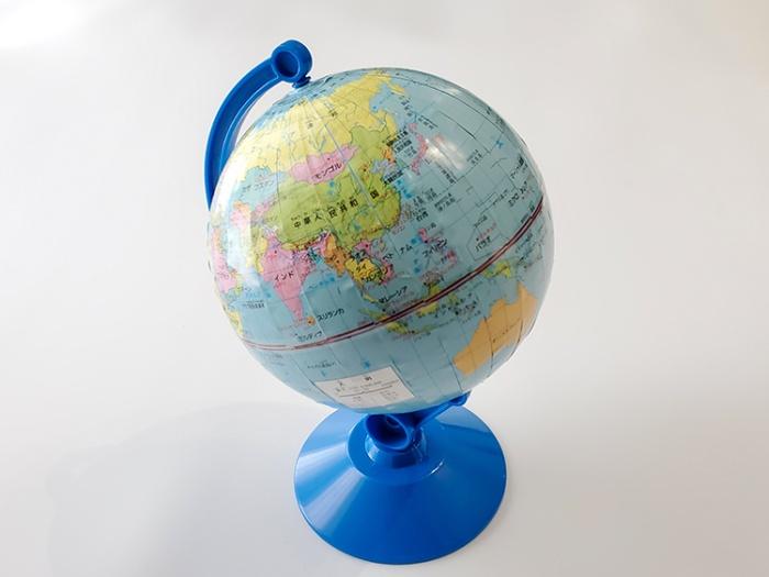 進研ゼミ小学講座「チャレンジタッチ」5年生4月号の付録「世界なるほど地球儀」