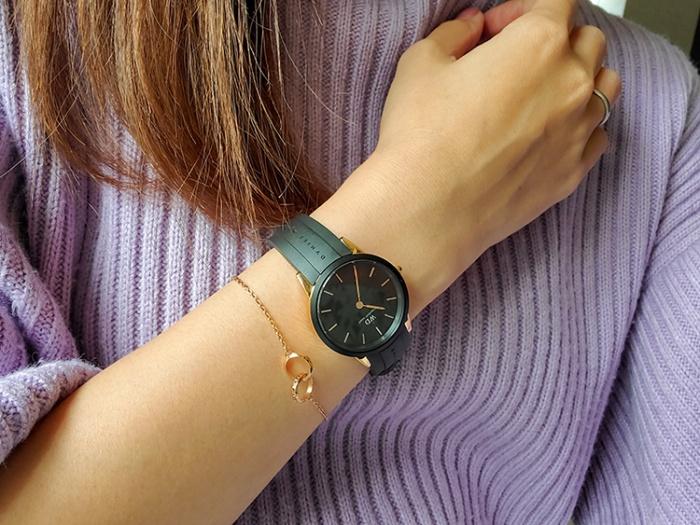 ダニエルウェリントンの防水時計「Iconic Motion」とブレスレット「Elan Unity Bracelet」を重ね付け