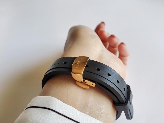 ダニエル・ウェリントン新作時計「Iconic Motion」の手首側