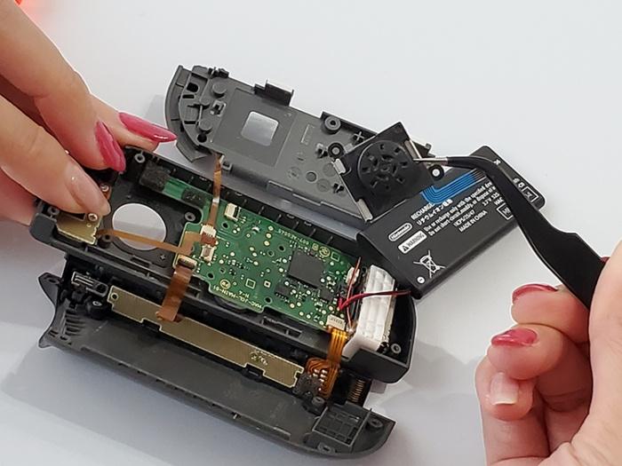 任天堂Switchのジョイコンを自分で修理する。スティックを外す