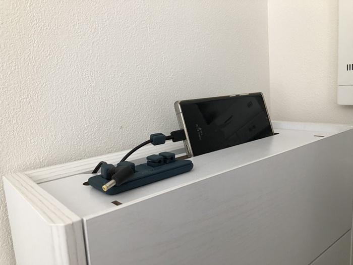 サンワダイレクトケーブルボックス(200-CB017)の充電ステーション