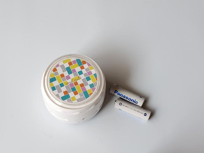 カインズの電池式卓上クリーナーは単3電池2つ必要(別売り)