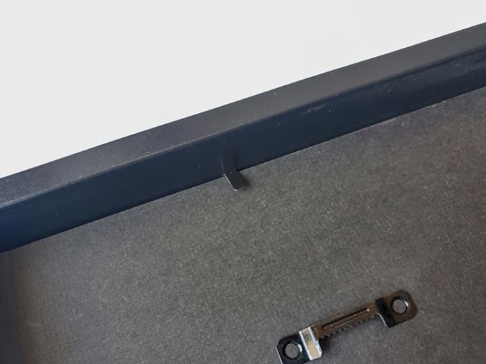IKEAのフォト(ポスター)フレーム「RIBBA(リッバ)」のツメ部分